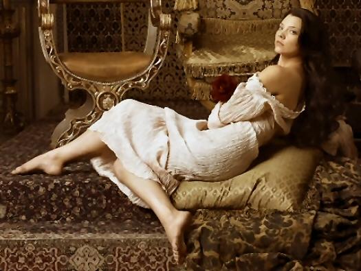 Katherine Keats The-tudors-gals-natalie-dormer-02