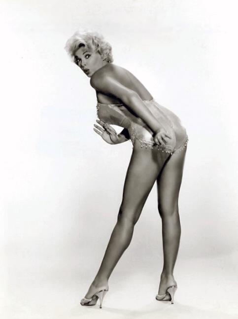 beautiful nude Ugandan