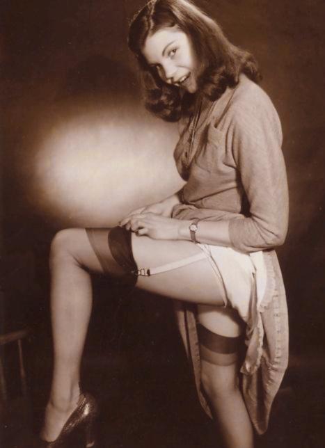 Vintage upskirt stocking porn