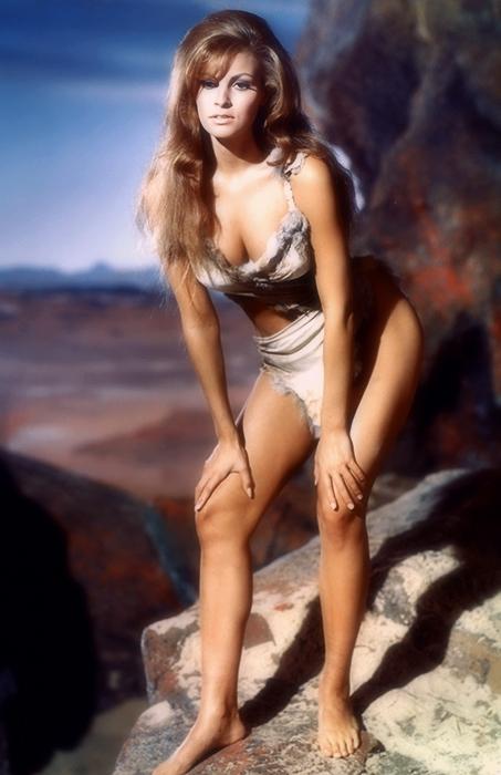 Raquel-Welch-1966-001