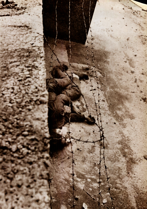 Berlin-Wall-PeterFetcher-Deaths-002x